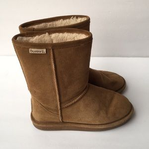 BearPaw classic suede boots shoes 6